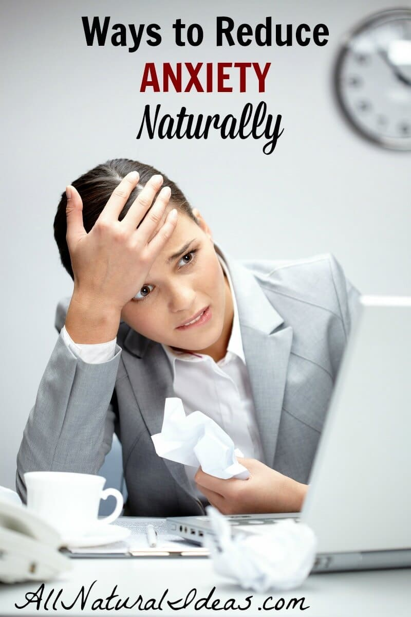 Medications to control anxiety often come with negative side effects so they may not be the best option. What are the ways to reduce anxiety naturally? | allnaturalideas.com
