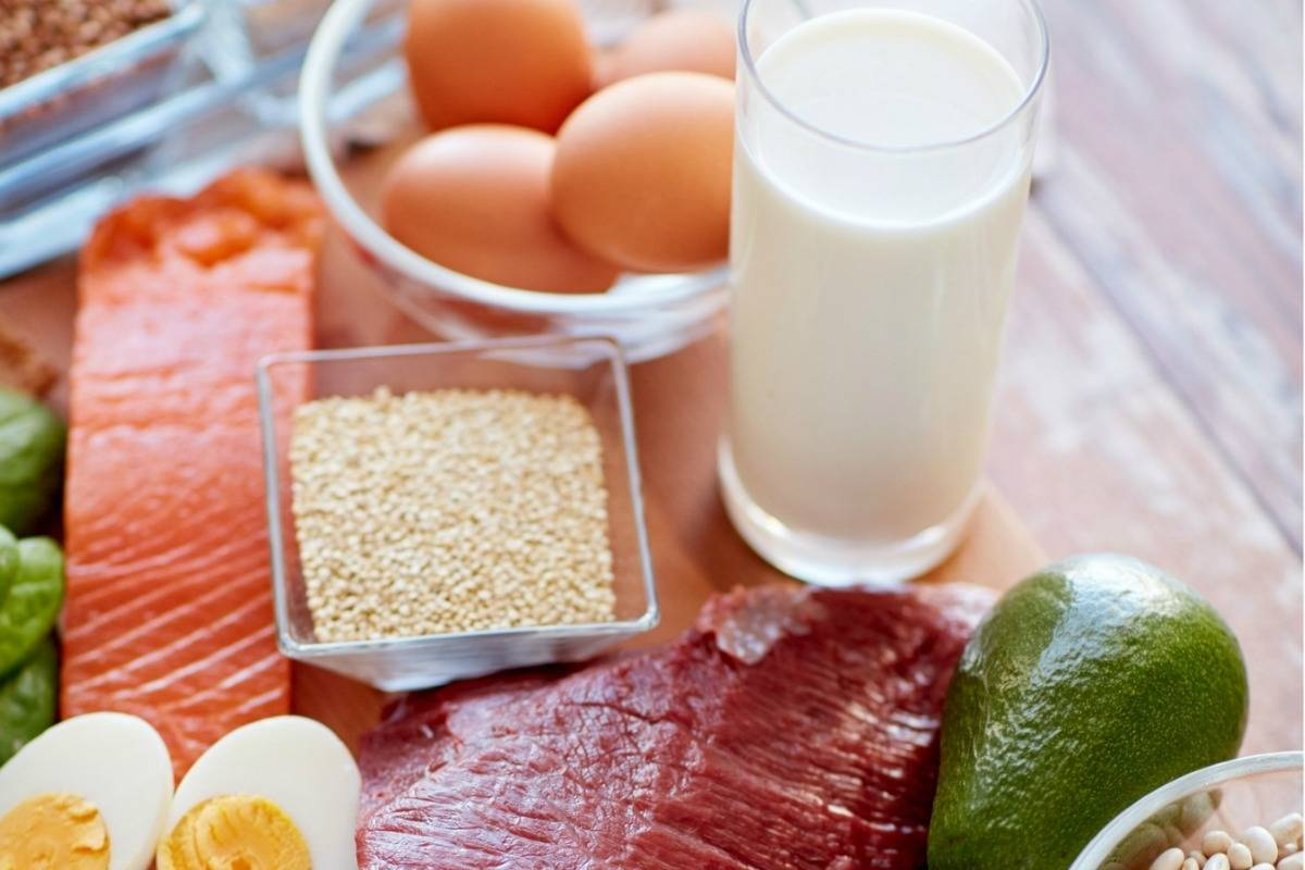 What are macros in diet and nutrition?