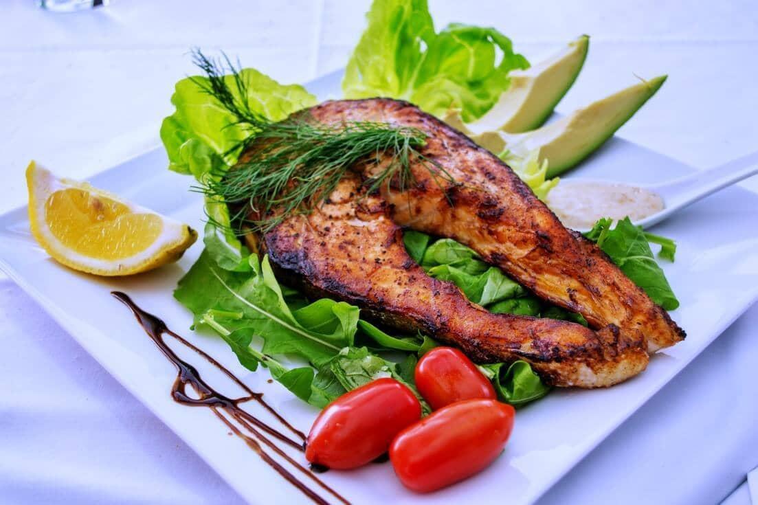 Ketogenic diet plan food list salad