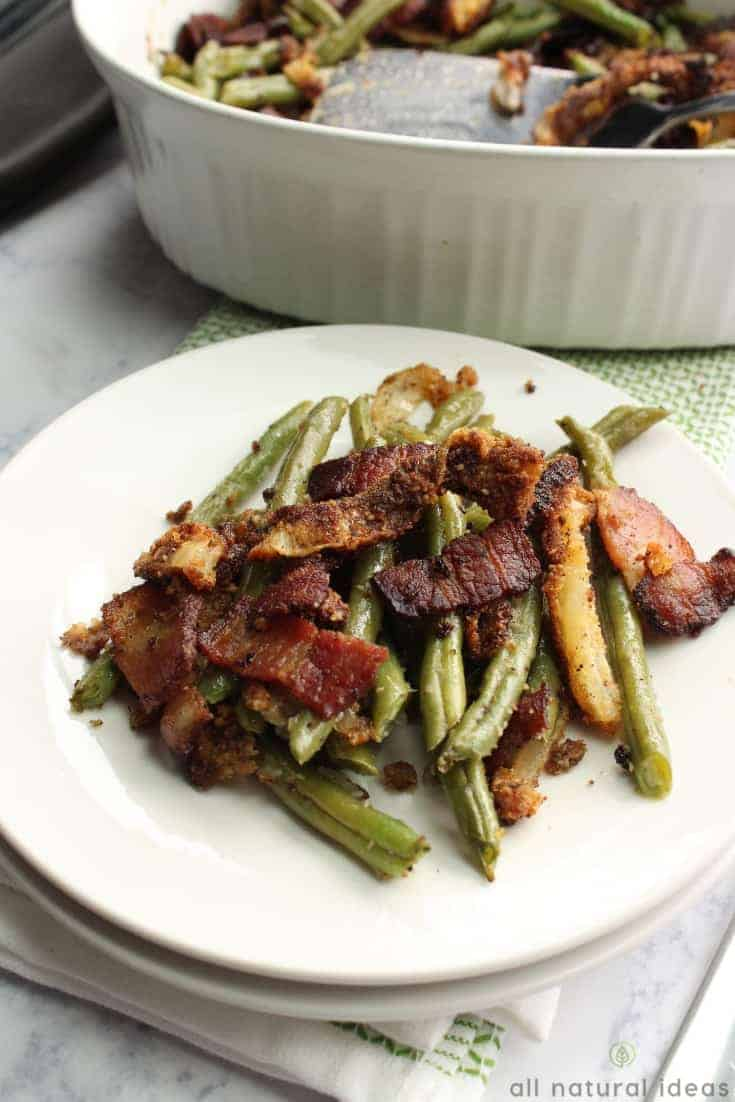 Healthy paleo green bean casserole with bacon recipe #lowcarb #paleo #keto #greenbeancasserole #sidedish #ketosidedish