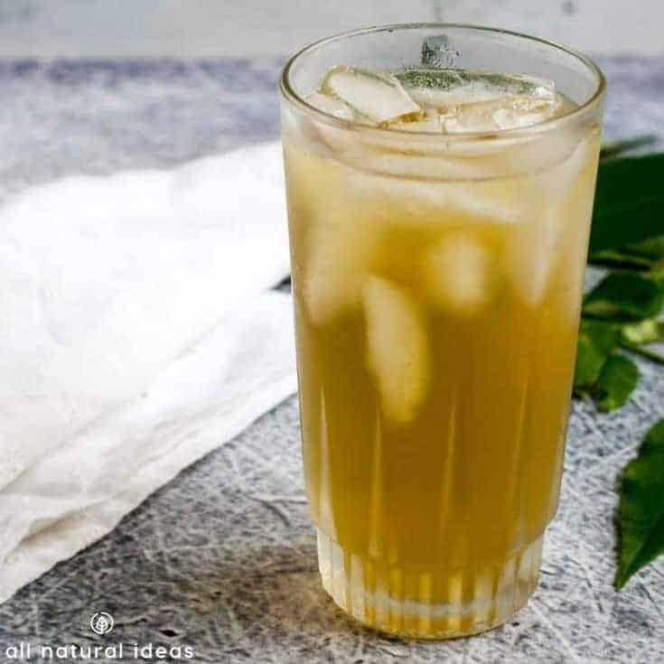 glass of sumac lemonade